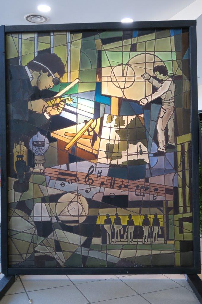 vitrail du collège Anne Frank : l'écolier